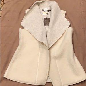 🎄Tommy Bahama reversible vest